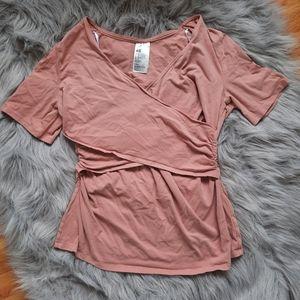 💛3/$21 H&M Maternity / Nursing Top